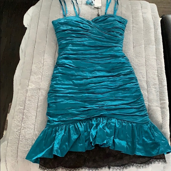 BCBGMaxAzria Dresses & Skirts - NWT BCBG- Stunning turquoise with lace strapless!